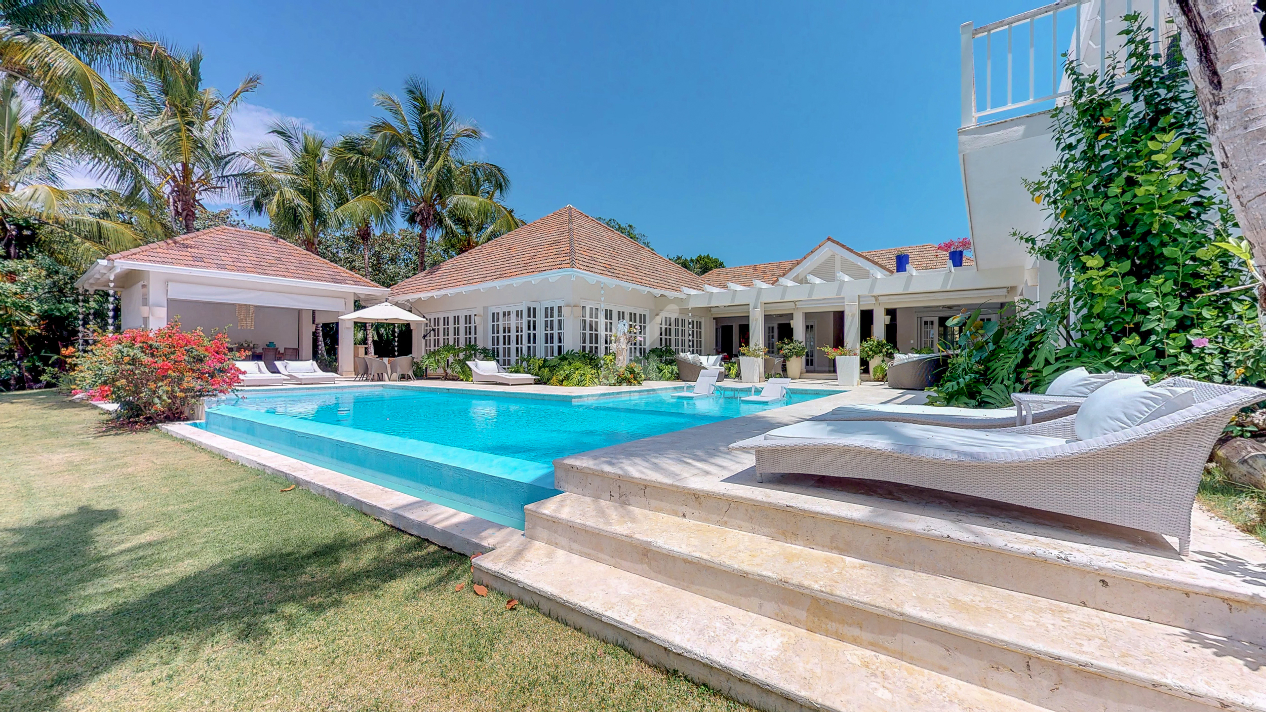 Spectacular and Luxurious Villa For Sale in Punta Cana